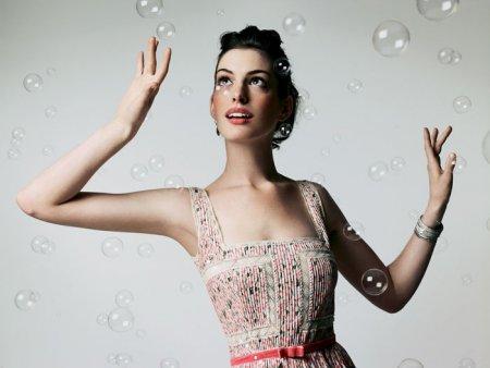 Anne Hathaway в фотосессии Satoshi Saikusa