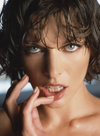 Milla Jovovich в журнале Maxim (2004)