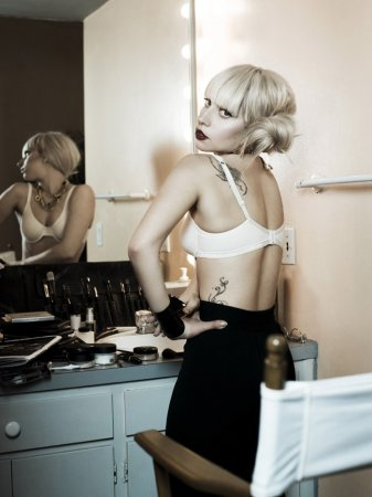 Lady Gaga в фотосессии Aaron Fallon (2010)