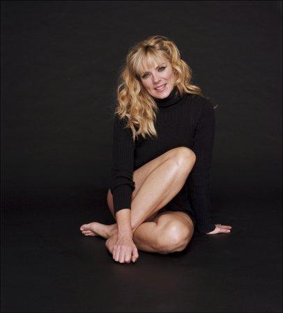 Kim Cattrall в фотосессии Jason Bell (2004)
