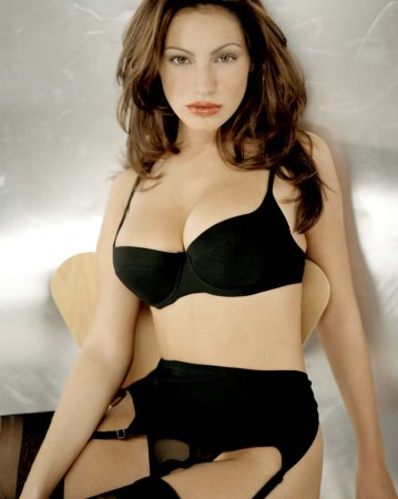 Kelly Brook в журнале Nuts