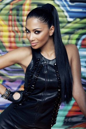 Nicole Scherzinger в журнале Fabulous UK (ноябрь 2010)