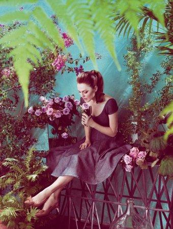 Julianne Moore в фотосессии Marcus Piggott