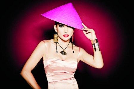 Jennifer Lopez для TOUS (весна 2011)