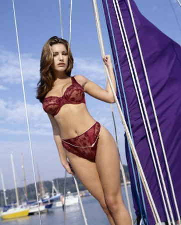 Kelly Brook в фотосессии Steve Perry (2006)