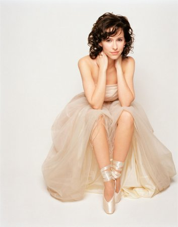 Jennifer Love Hewitt в фотосессии Yariv Milchan (2002)