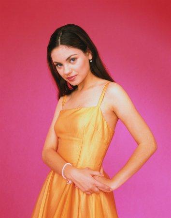 Совсем юная Mila Kunis в журнале Twist (2000)