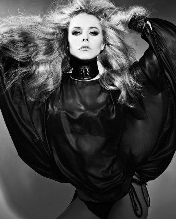 Кристен Белл в февральском журнале Flaunt