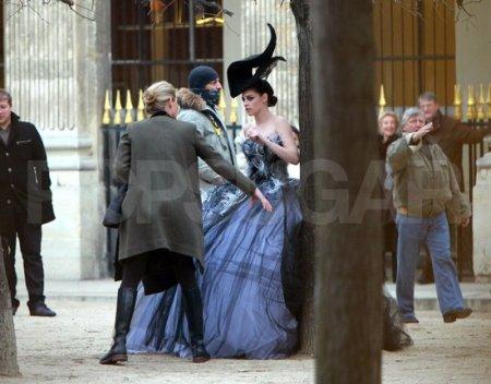 Кристен Стюарт во время фотосессии для Vanity Fair в Париже